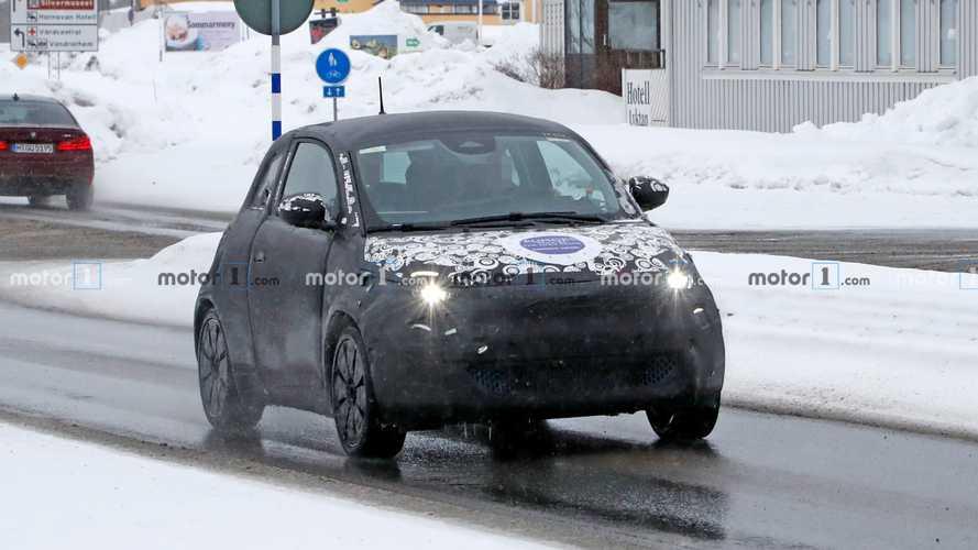 Fiat 500e Hatchback spy photos