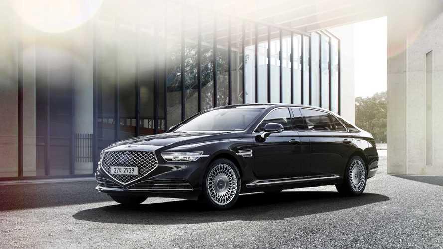Genesis предложил россиянам обновленный седан G90