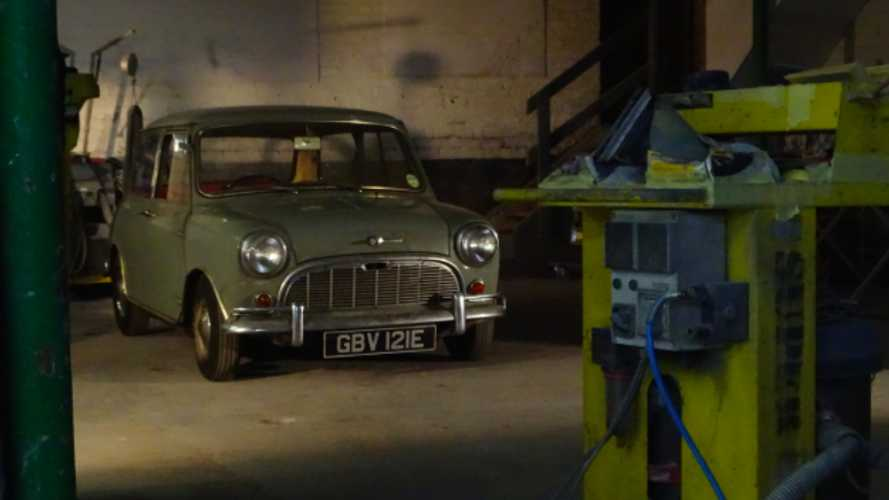 Completely original, barn-find 1967 Mini up for grabs!