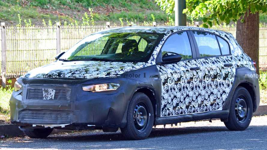Fiat Tipo Cross spy photos