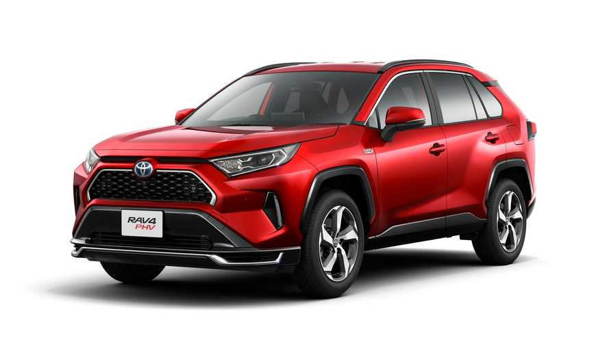 In Japan, Toyota Expects To Sell Only 300 RAV4 Prime Per Month