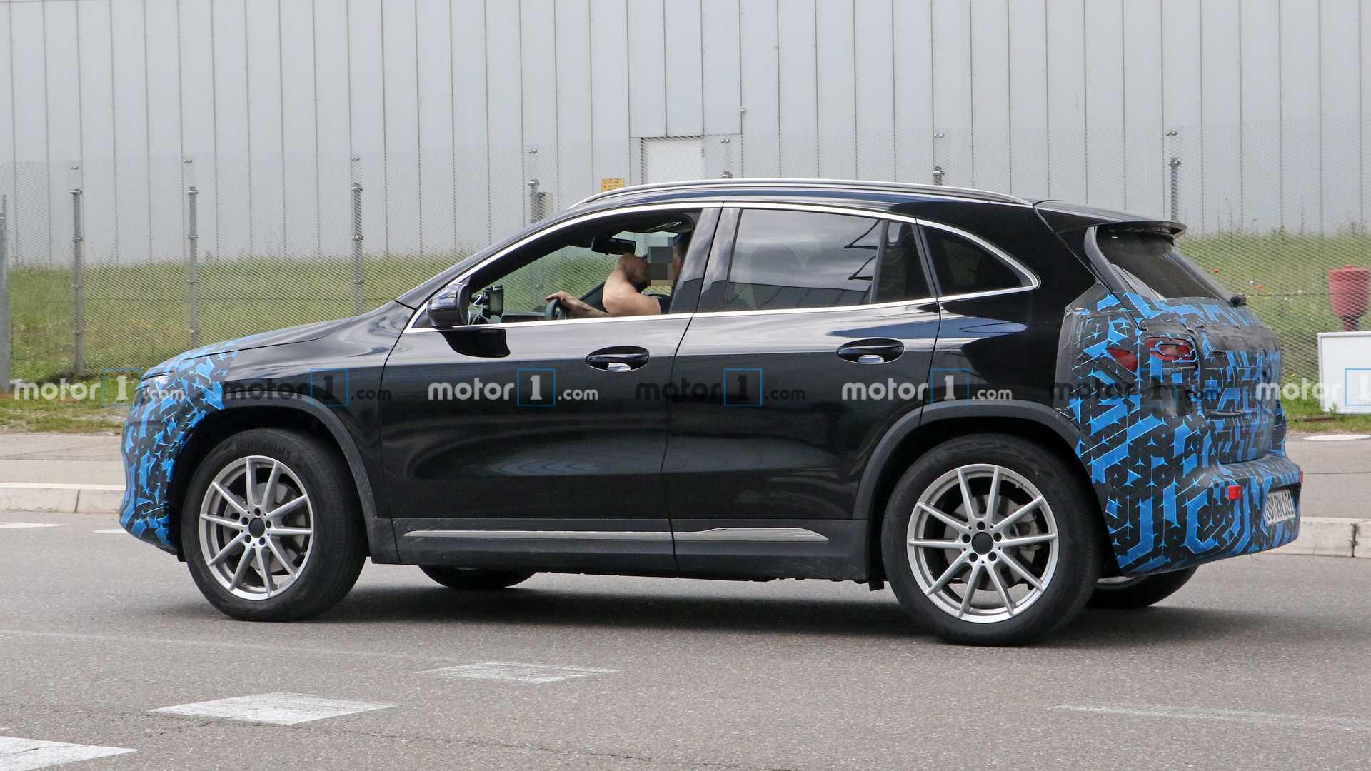 2020 - [Mercedes-Benz] EQ A - Page 3 2021-mercedes-eqa-spy-photo