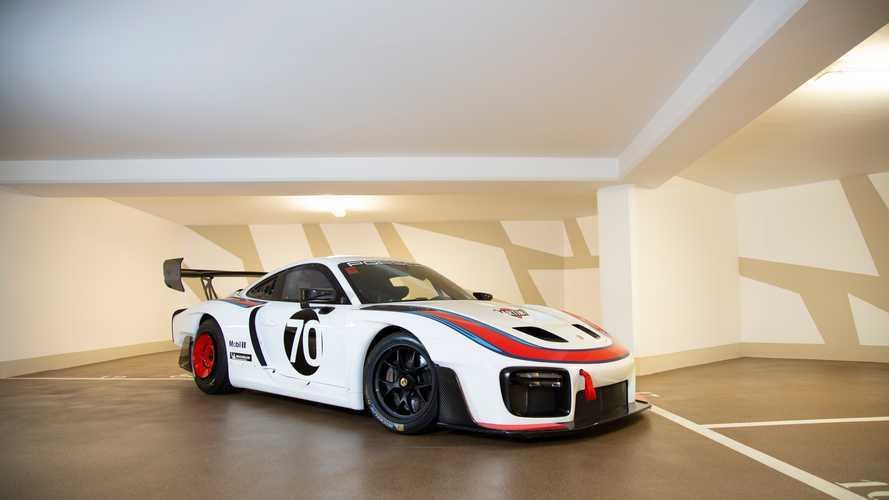 Este Porsche 935 'Martini' sale a subasta y está totalmente nuevo