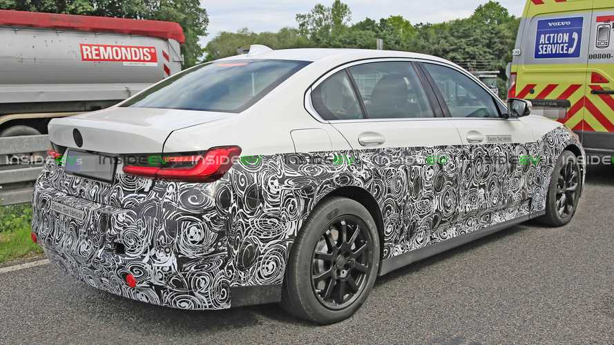 Pure electric BMW 3 Series caught testing, but it's still a few years away