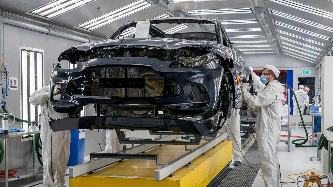 Начало производства Aston Martin DBX