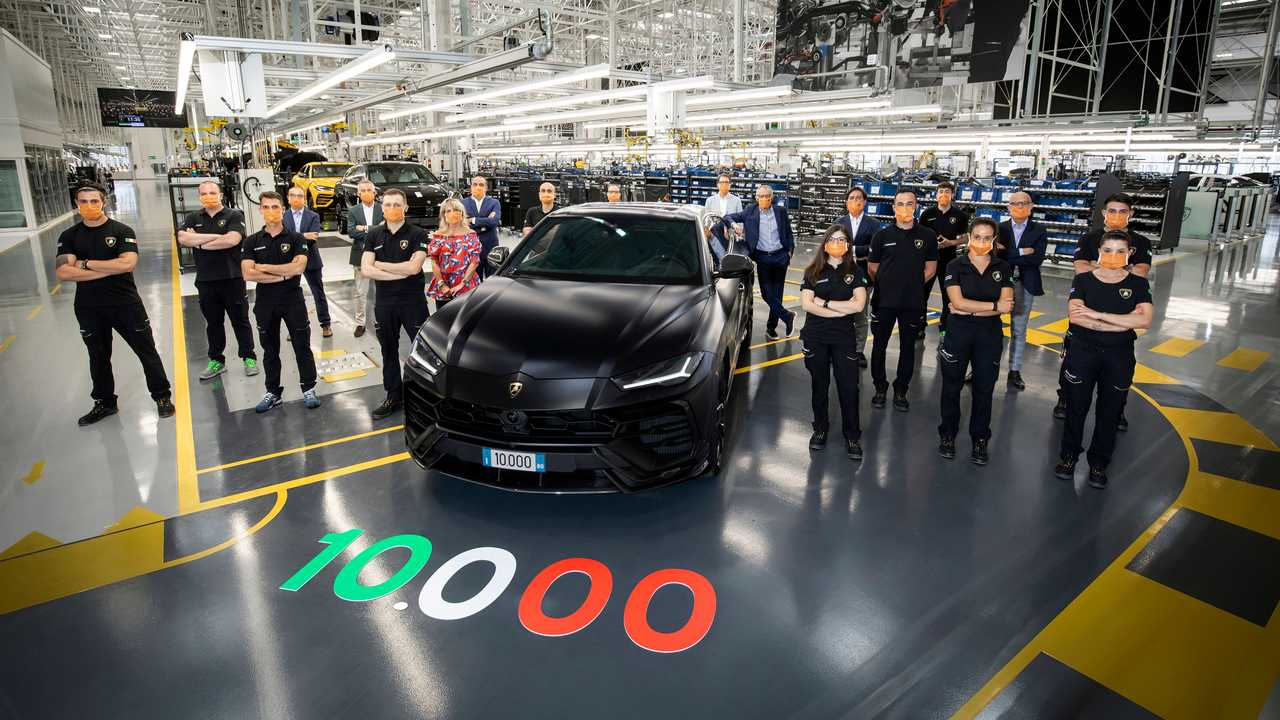 10,000'inci Lamborghini Urus