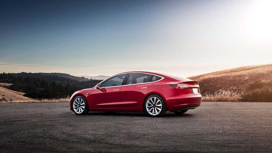Видеоблогер проехал 830 км на одном заряде Tesla Model 3
