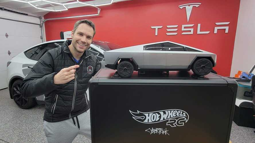 Watch Hot Wheels R/C Tesla Cybertruck get unboxed and show off