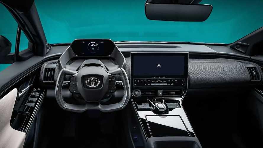 Toyota bZ4X Interior & Yoke