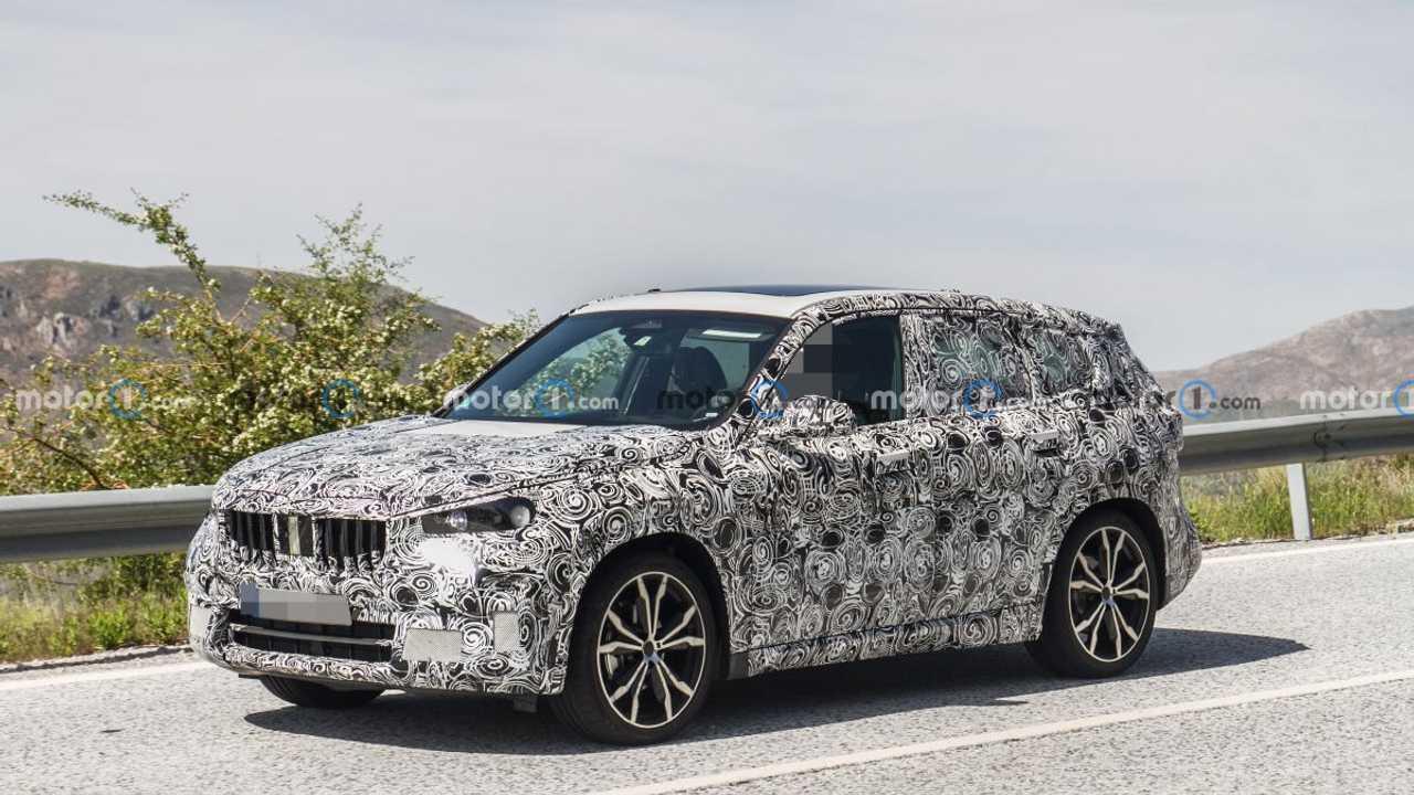 Yeni BMW X1 Prototipi Ön Cephe