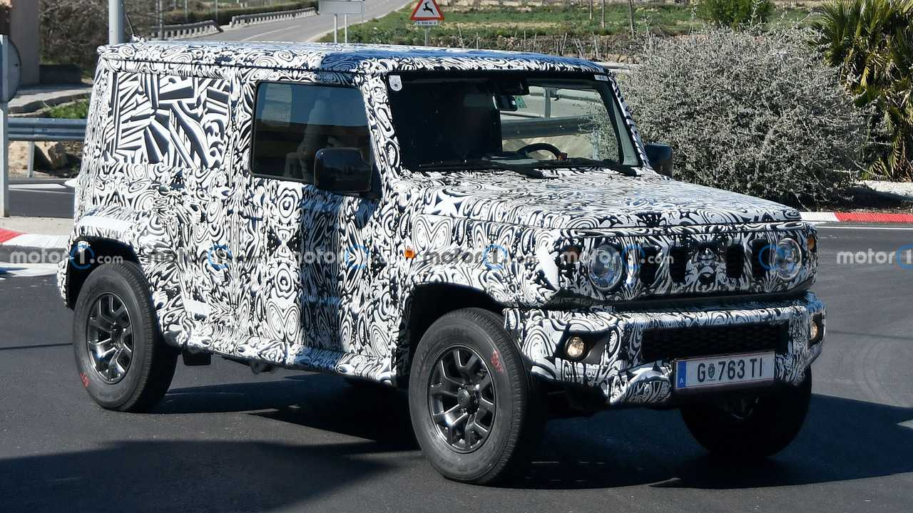 2022 Suzuki Jimny long wheelbase spy photo