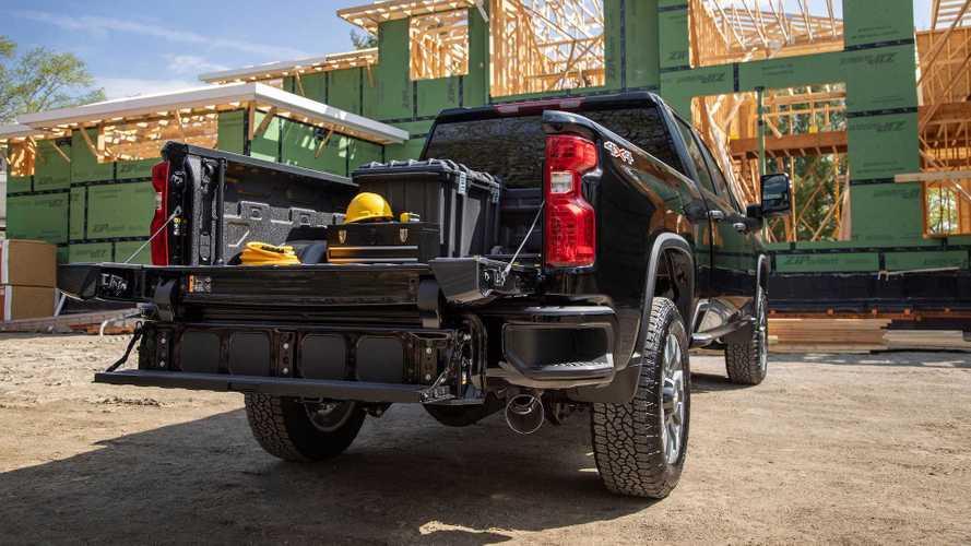 Chevy's Big Silverado HD Gets Multi-Flex Tailgate Option