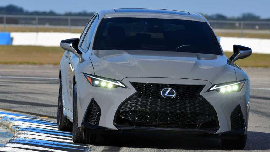 Новый Lexus IS с V8 обзавелся первой лимитированой спецверсией