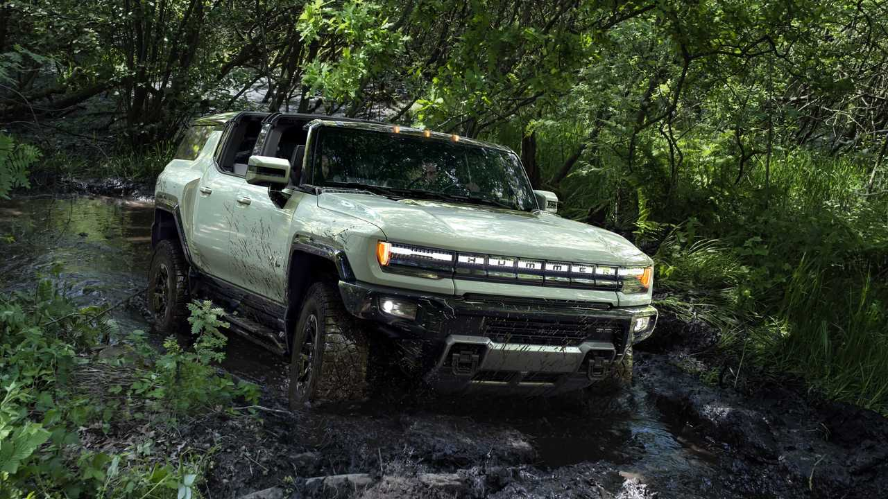 2024 GMC Hummer SUV without roof panels
