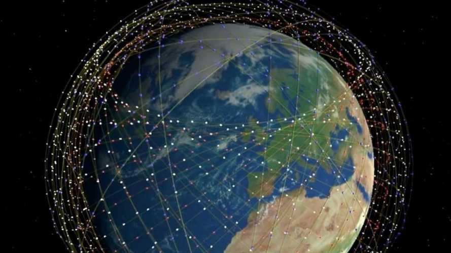 """L'ultima di Musk: con Starlink la Terra diventa """"visibile dagli alieni"""""""