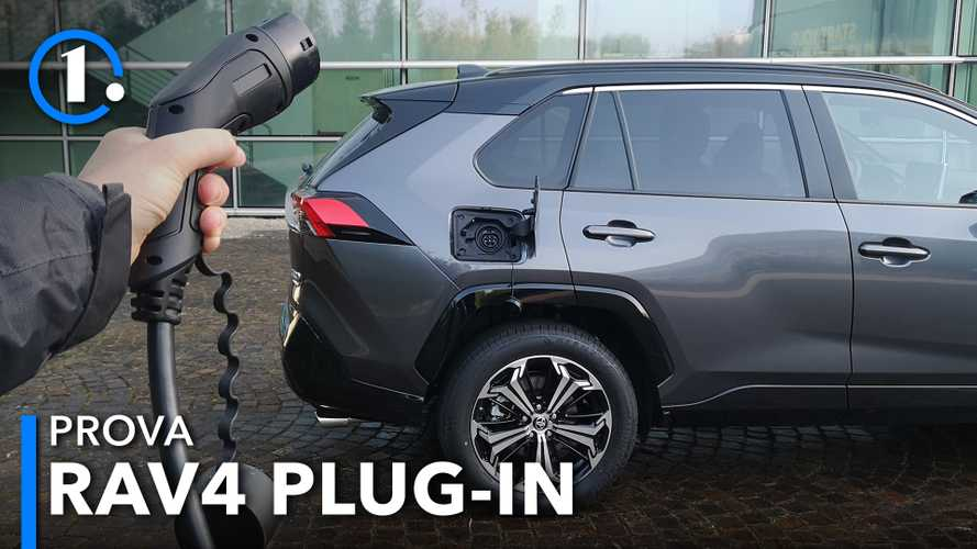 Toyota RAV4 ibrida plug-in, come va il SUV da 306 CV super efficiente