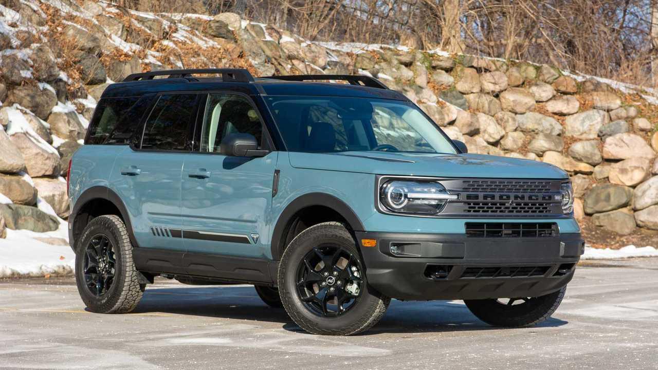 2021 Ford Bronco Sport Badlands front quarter wide