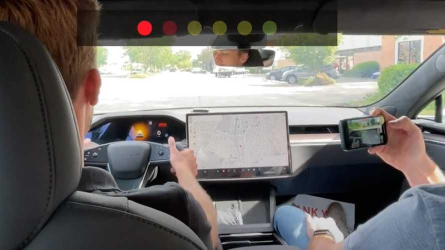 Tesla Model S Plaid Hits 60 MPH In 2.59 Seconds Measured By Dragy