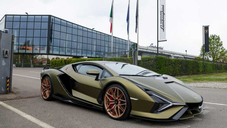 Lamborghini Sian, Hypercar Terkuat Bermesin V12 dan Sudah Hybrid