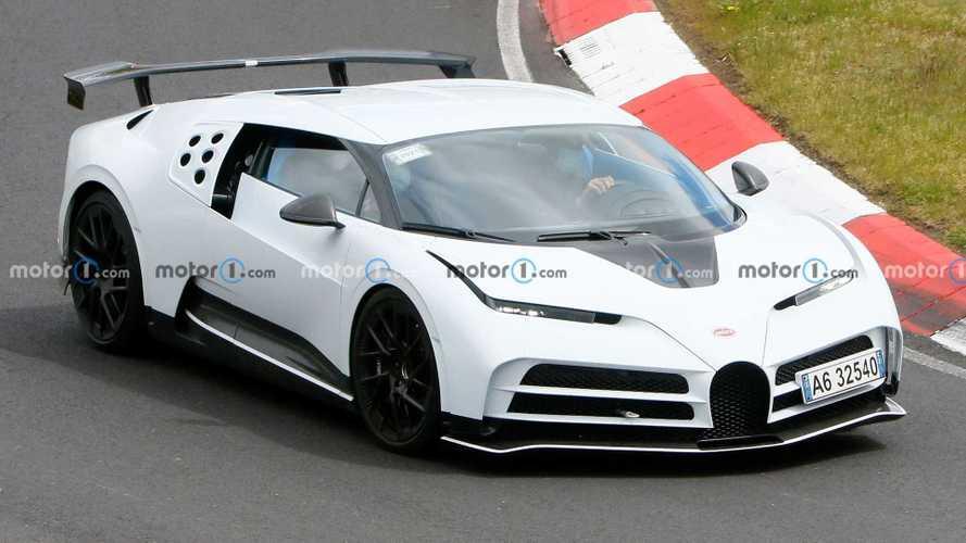 Bugatti Centodieci, il primo esemplare affronta il Nurburgring