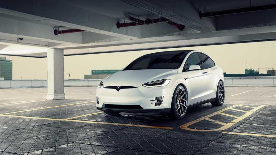 Novitec offre un discret kit carrosserie au Tesla Model X