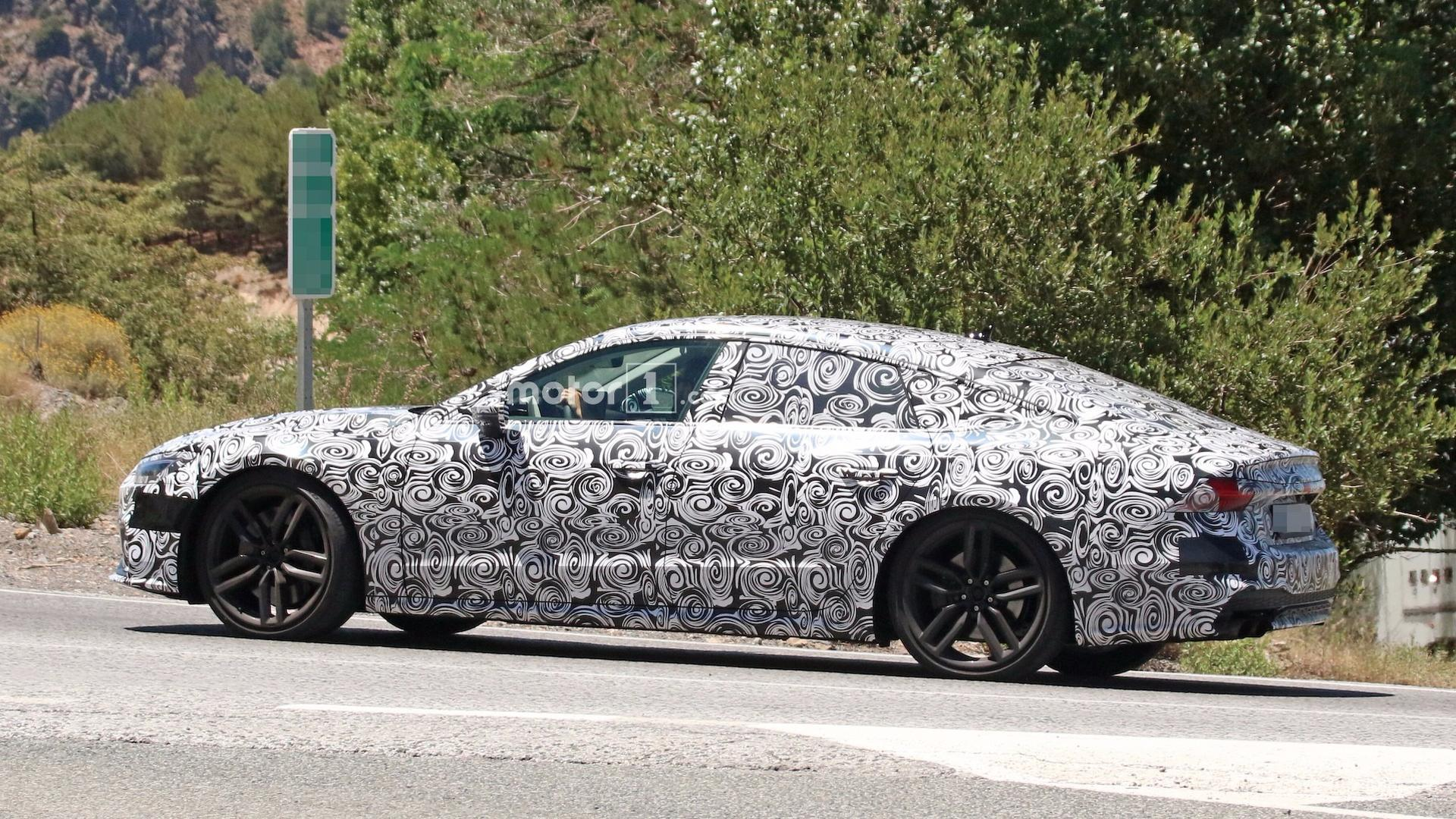 Audi S Spied Revealing Sharp New Details - 2018 audi s7