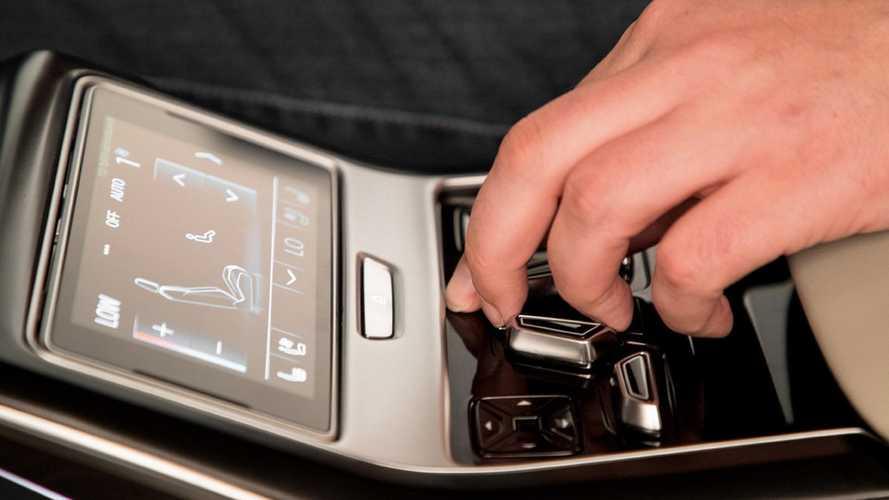 Lábmasszázs és relax funkció is lesz az új Audi A8-ban