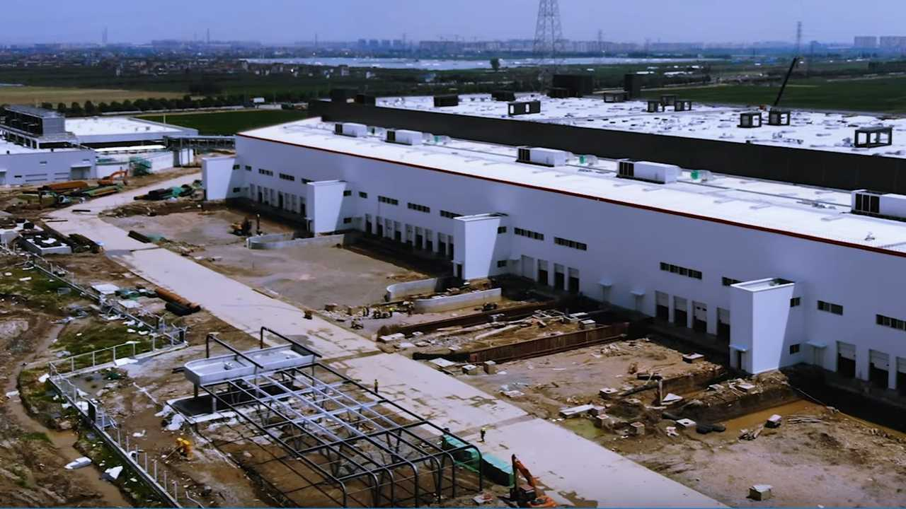 Tesla Gigafactory 3 (Source: Jason Yang )