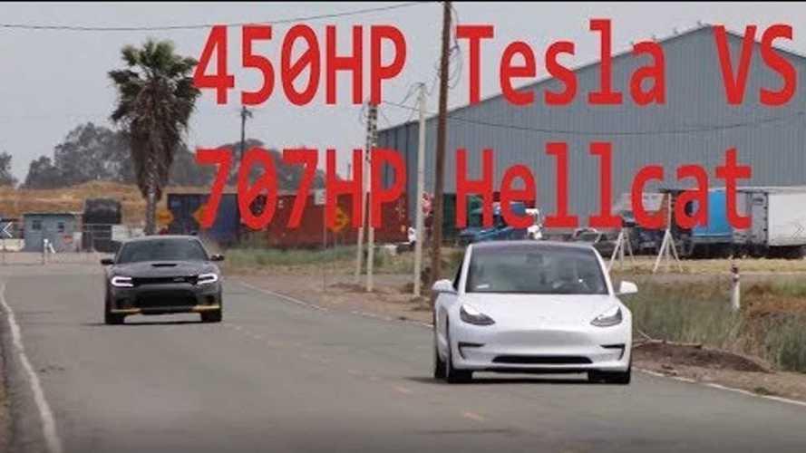 La Tesla Model 3 ne fait qu'une bouchée d'une Dodge Hellcat