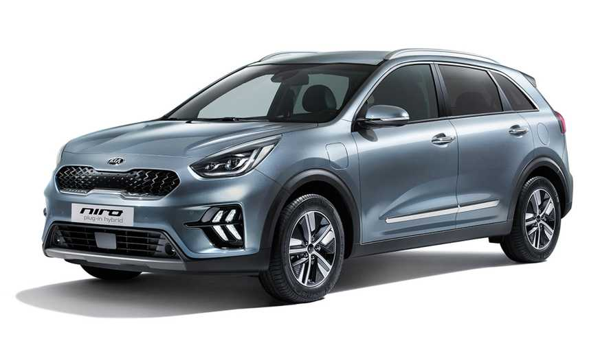 Facelifted Kia Niro goes on sale with £24,590 price tag