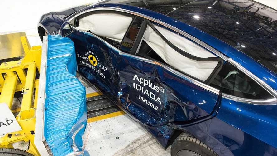 Mercedes Classe B  e Tesla Model 3 tra le più stellate nei Crash test