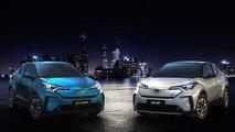 Toyota C-HR mit Elektroantrieb und Izoa EV auf der Shanghai Auto Show 2019