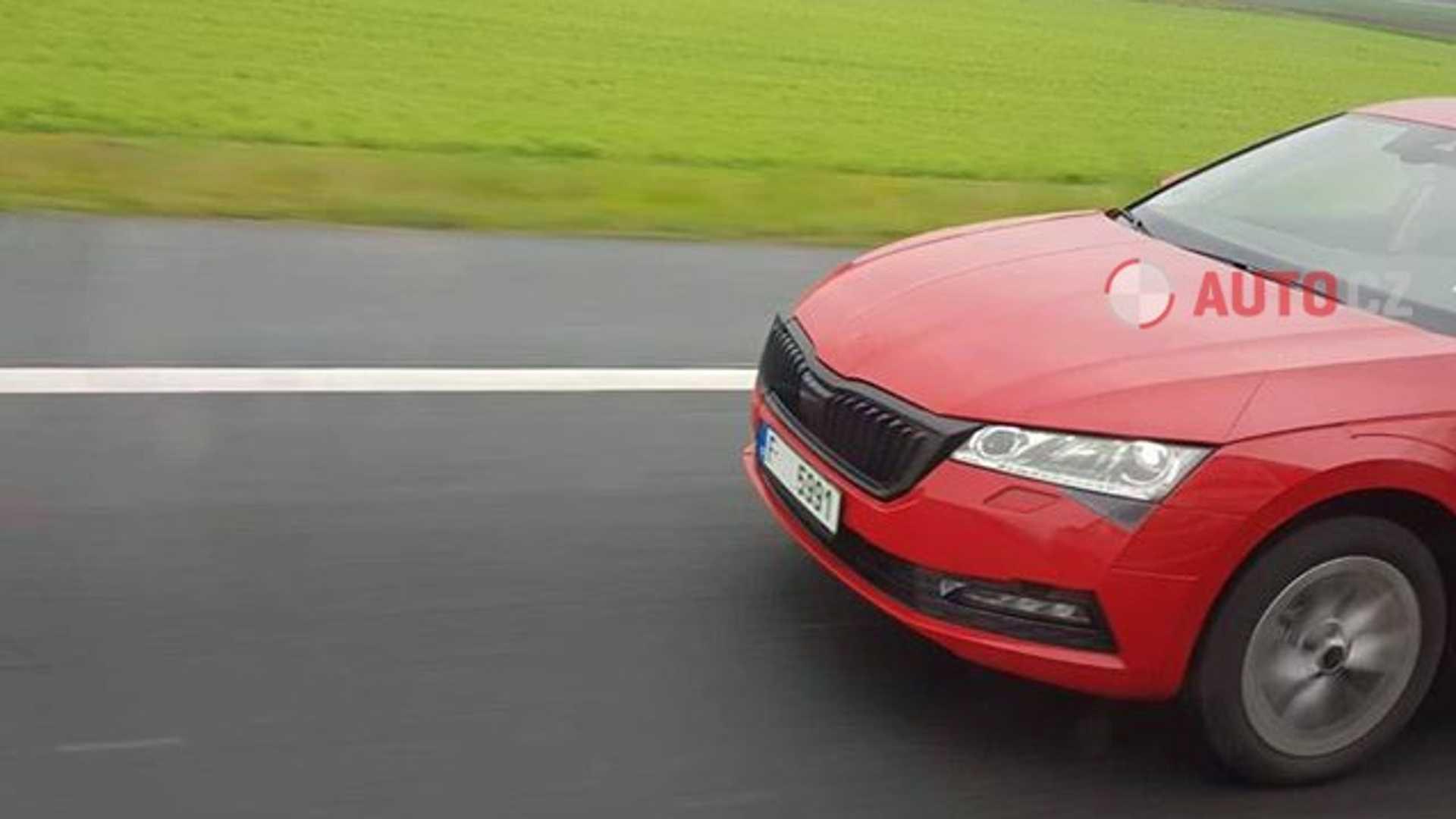 В Чехии поймали новую Skoda Octavia почти без всякого камуфляжа