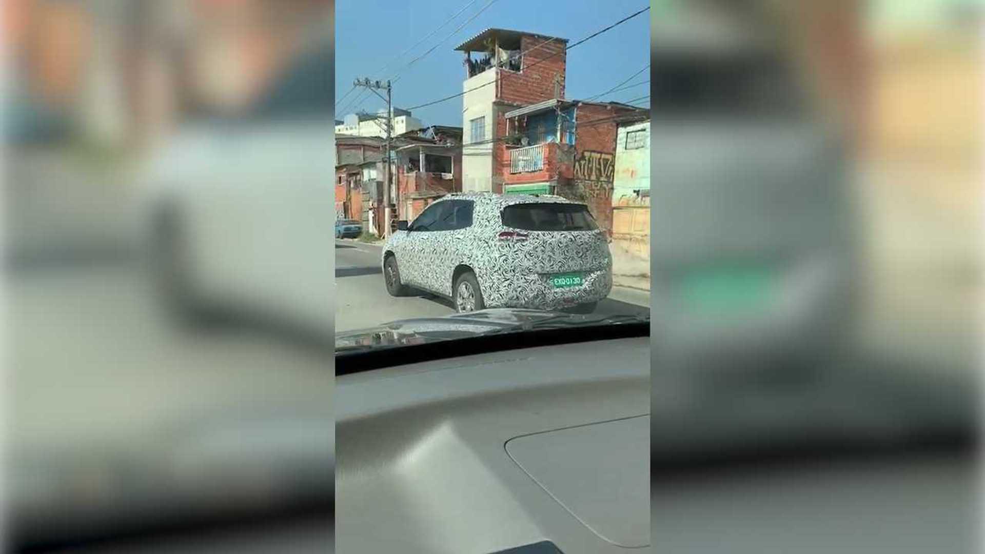 Flagra em vídeo: Novo Tracker já roda no Brasil