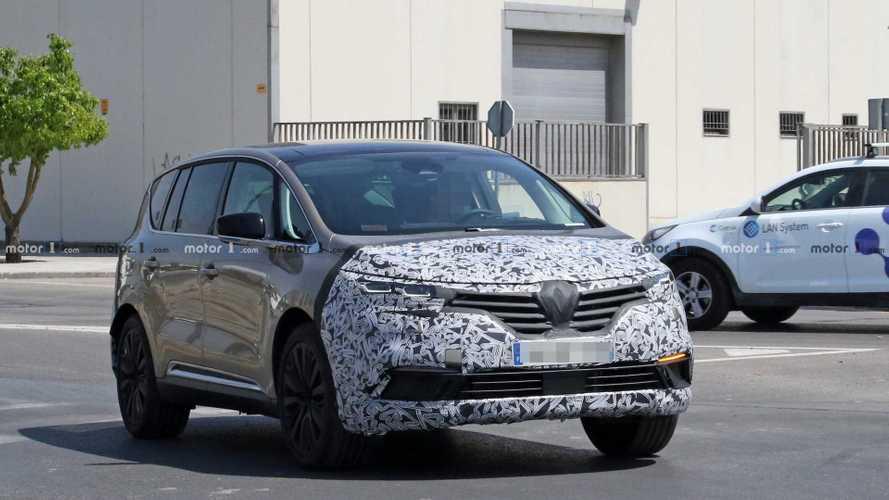 Le Renault Espace restylé apparaît de nouveau