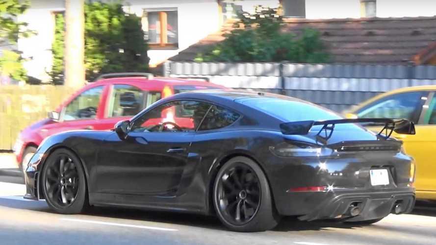 VIDÉO - Les Porsche 718 Cayman et Cayman GT4 se font surprendre