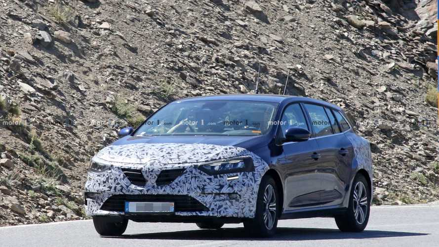 Renault Megane wagon facelift new spy photos