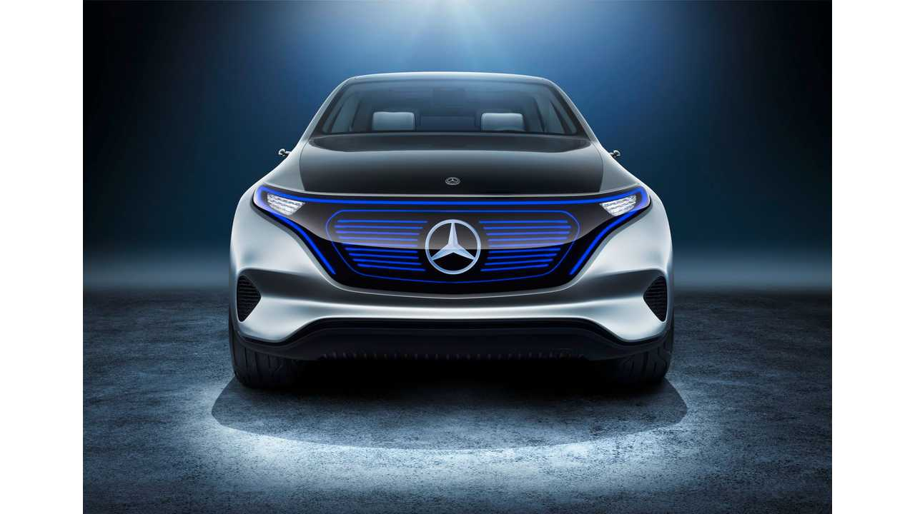 Daimler Workers At Engine Plant Worry About EV Future