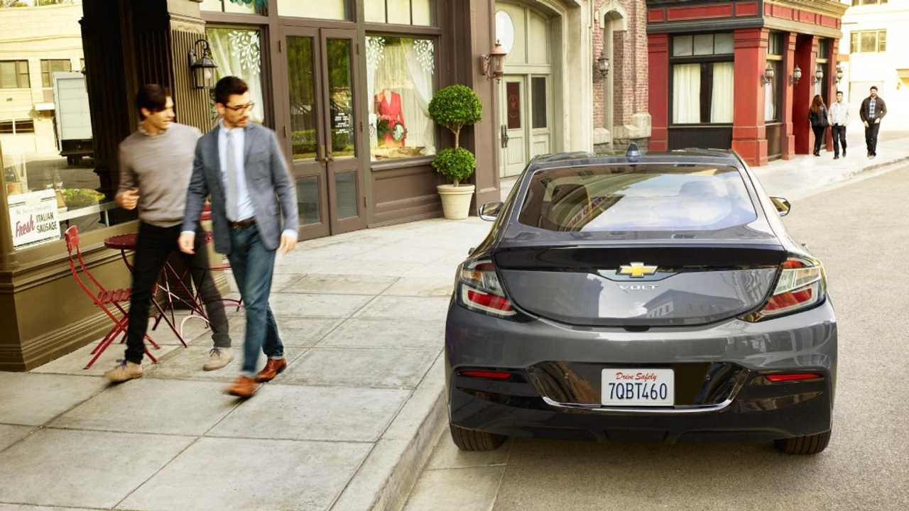 Chevy Volt First Plug-In To Reach Cars.com Most American-Made List