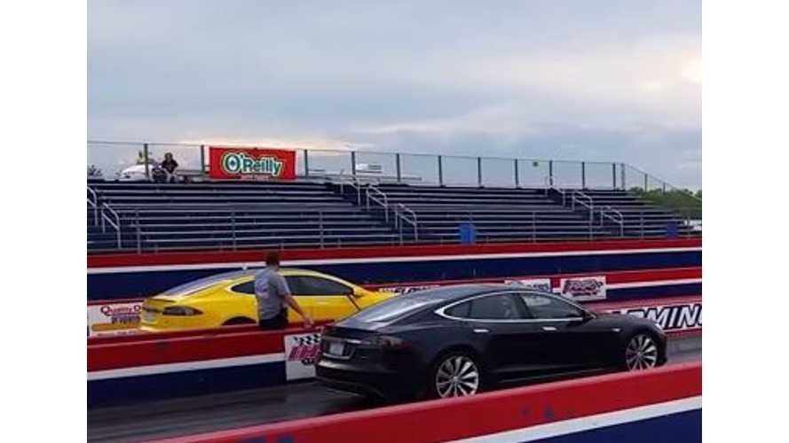 Tesla Model S P85D Versus P85 - Drag Race Videos