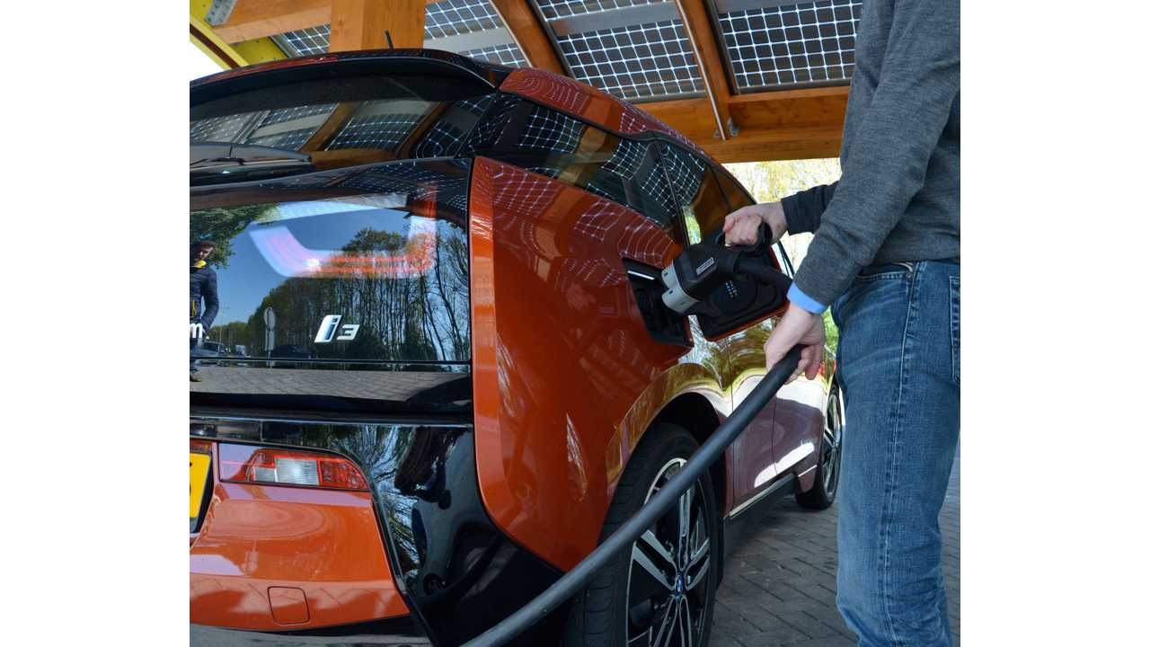 Netherlands Moves To Only Allow EV Sales By 2025 - End Of Gas, Petrol