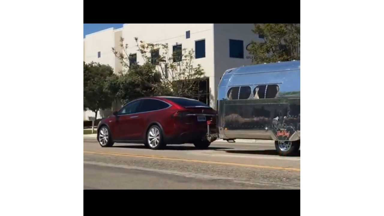 Tesla Model X And 24 Foot Bowlus Road Chief Towing Test: 60 MPH in 5.5 Seconds, 175 Miles Range