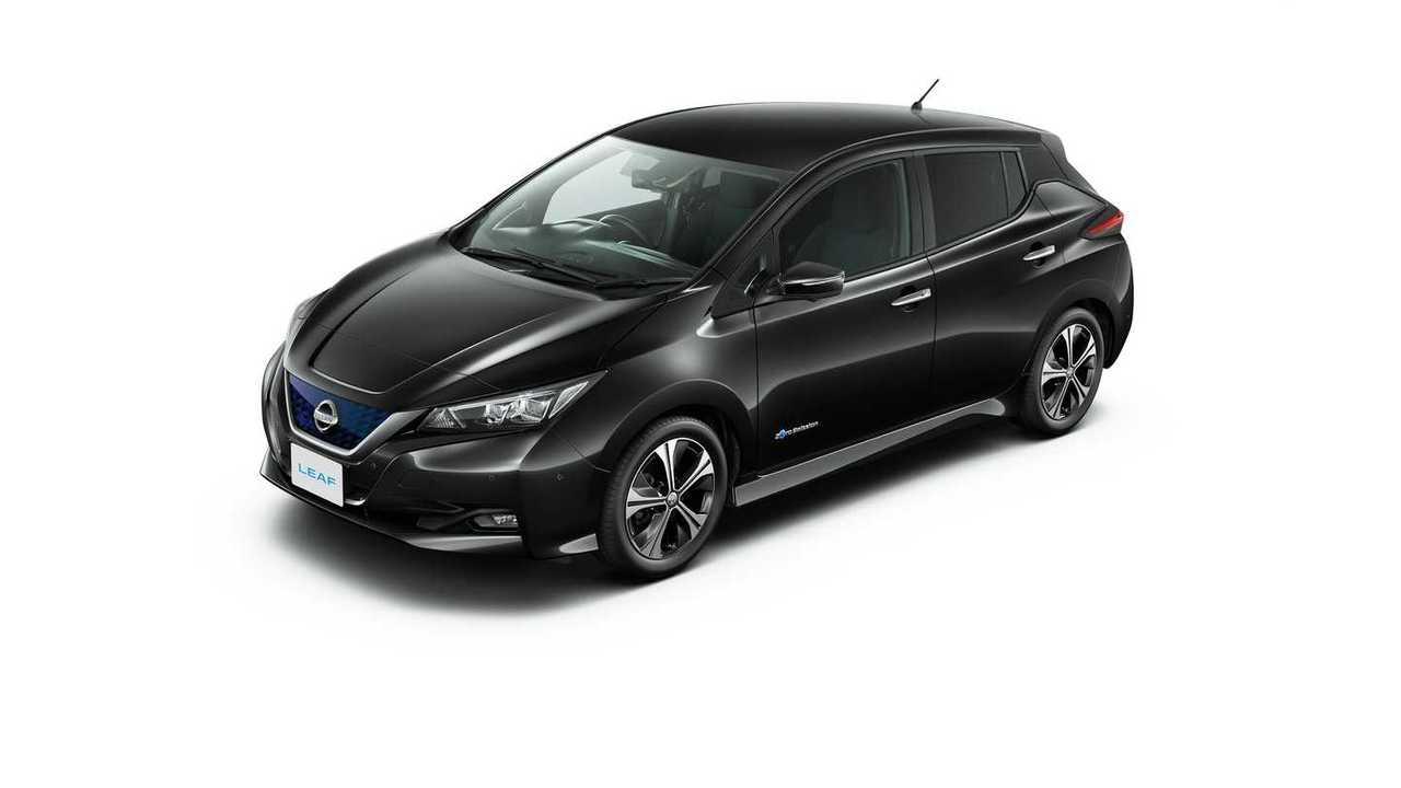 2018 Nissan LEAF gets a new look, more range!