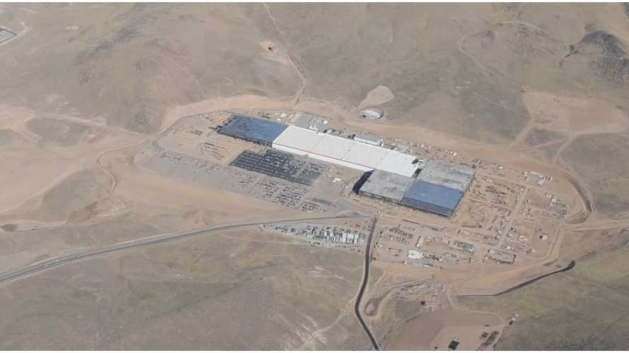 Recent Aerial Fly-Over Tesla Gigafactory Updates Progress - Video
