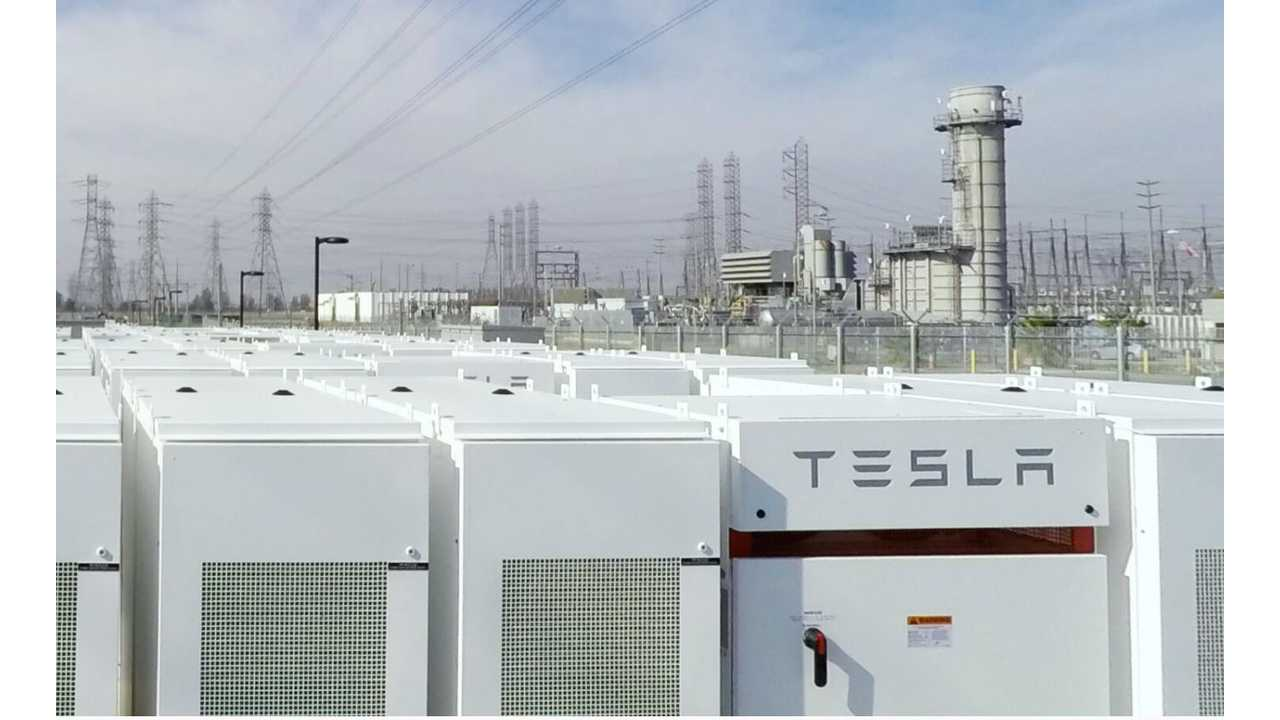 Tesla Powerpacks and the grid (Image Credit: <a href=