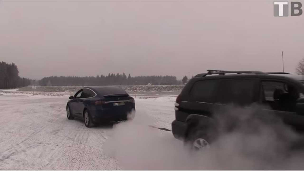 Tesla Model X Tug Of War With Toyota Land Cruiser - Video