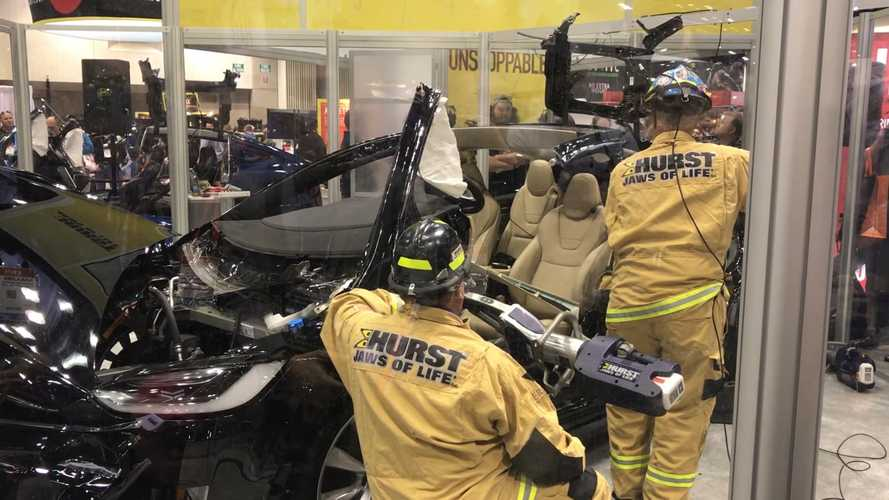 Tesla Model X Ripped Apart By Firefighters - Video