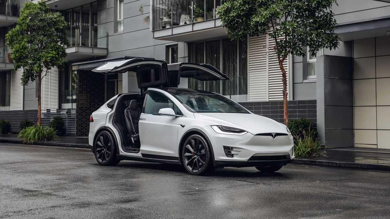 Cars.com Conducts Child Seat Test On Tesla Model X
