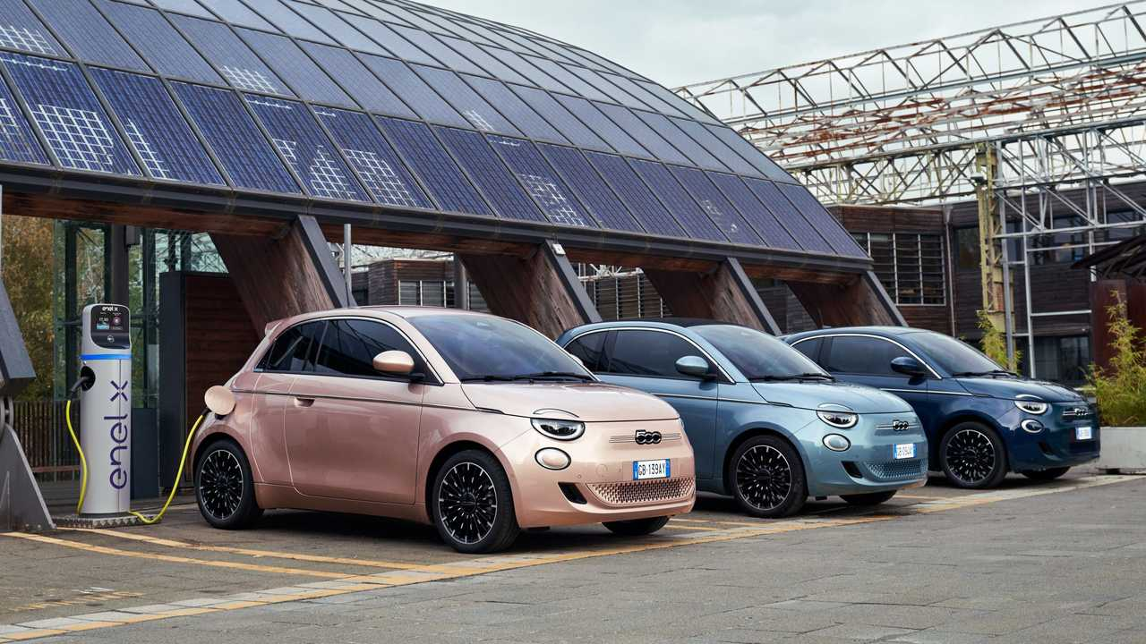 Fiat 500 electric charging (from left: 3+1, convertible, hatchback)