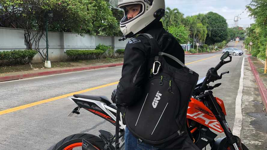 Gear Review: GIVI EA104B Easy Range Backpack